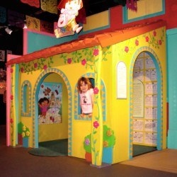 CHM_dora's_house_display